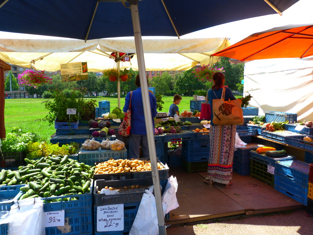 On Saturdays, be sure to get to the markets before noon for the best selection.