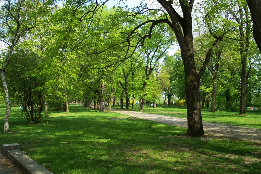 The open green spaces of Letná Park. Photo courtesy of Aktron.
