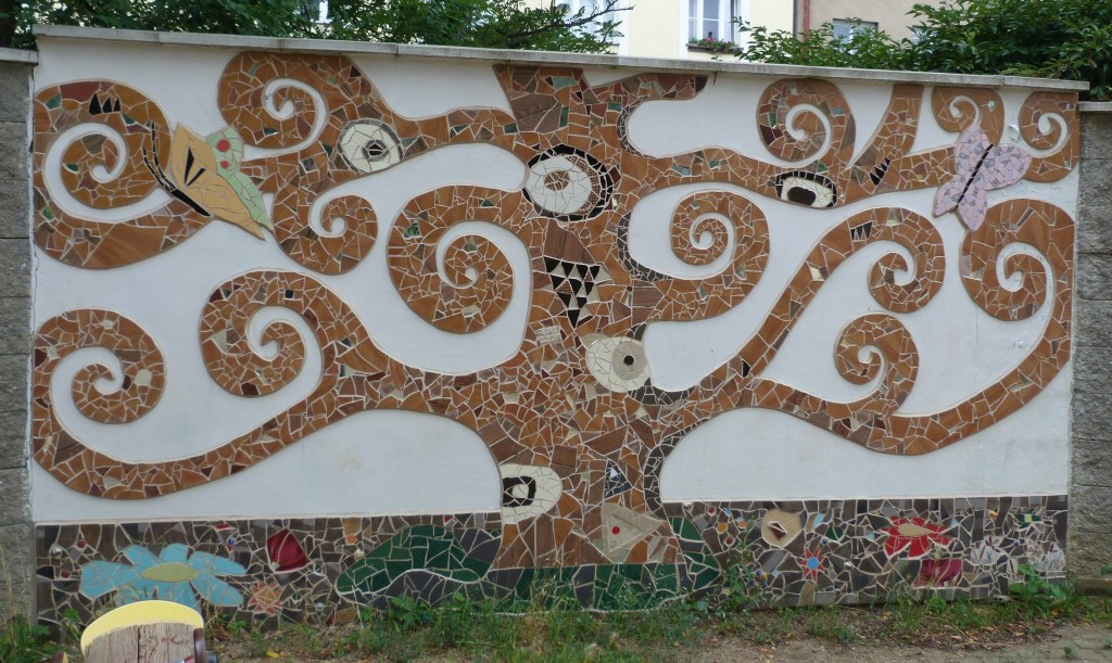 Another piece by Free Mosaik in the same park.