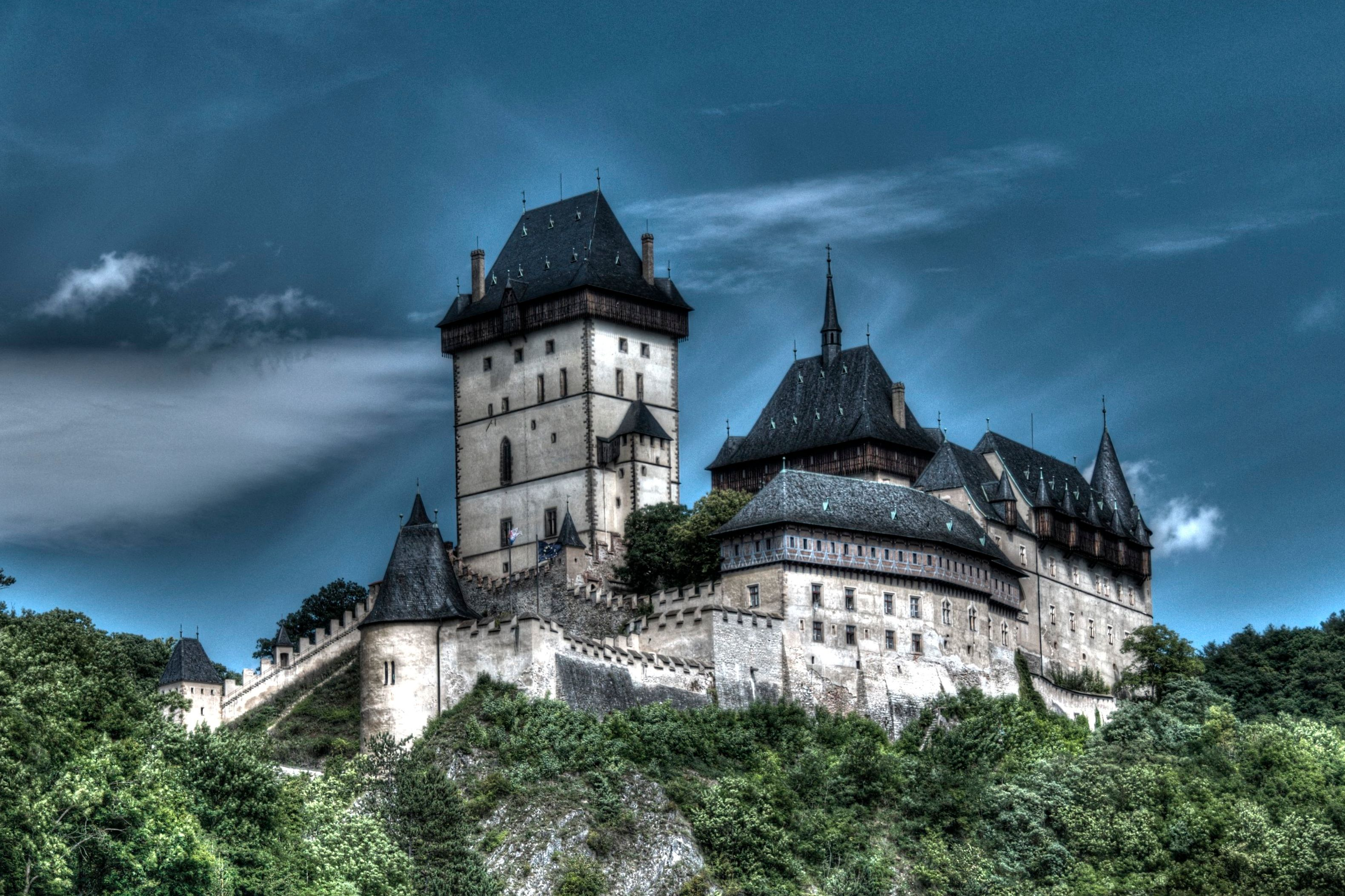 Karlštejn Castle was not used as a location in the filming of Game Of Thrones, nor did it appear anywhere in the Lord Of The Rings. Photo by Lukáš Kalista.