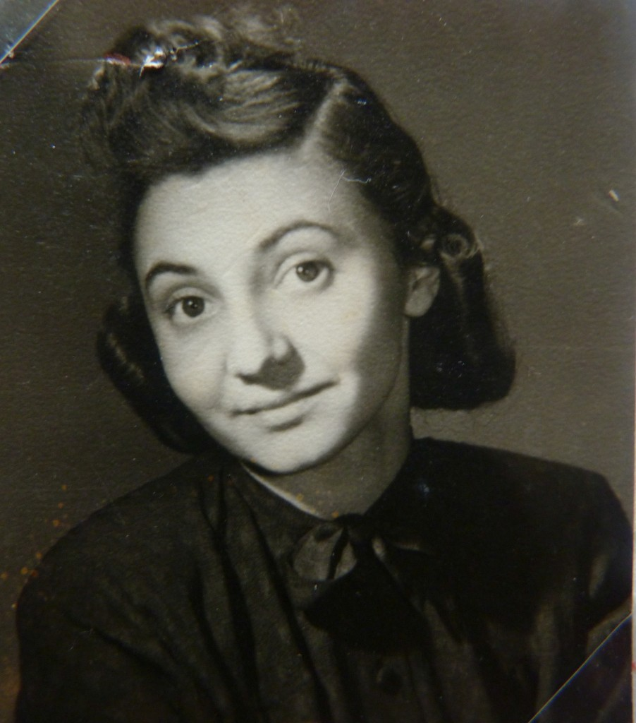 Květa Hniličková, illustrator, university art instructor, designer, and survivor of both Terezín and Ravensbruck. Photo courtesy of Mélanie Rada.