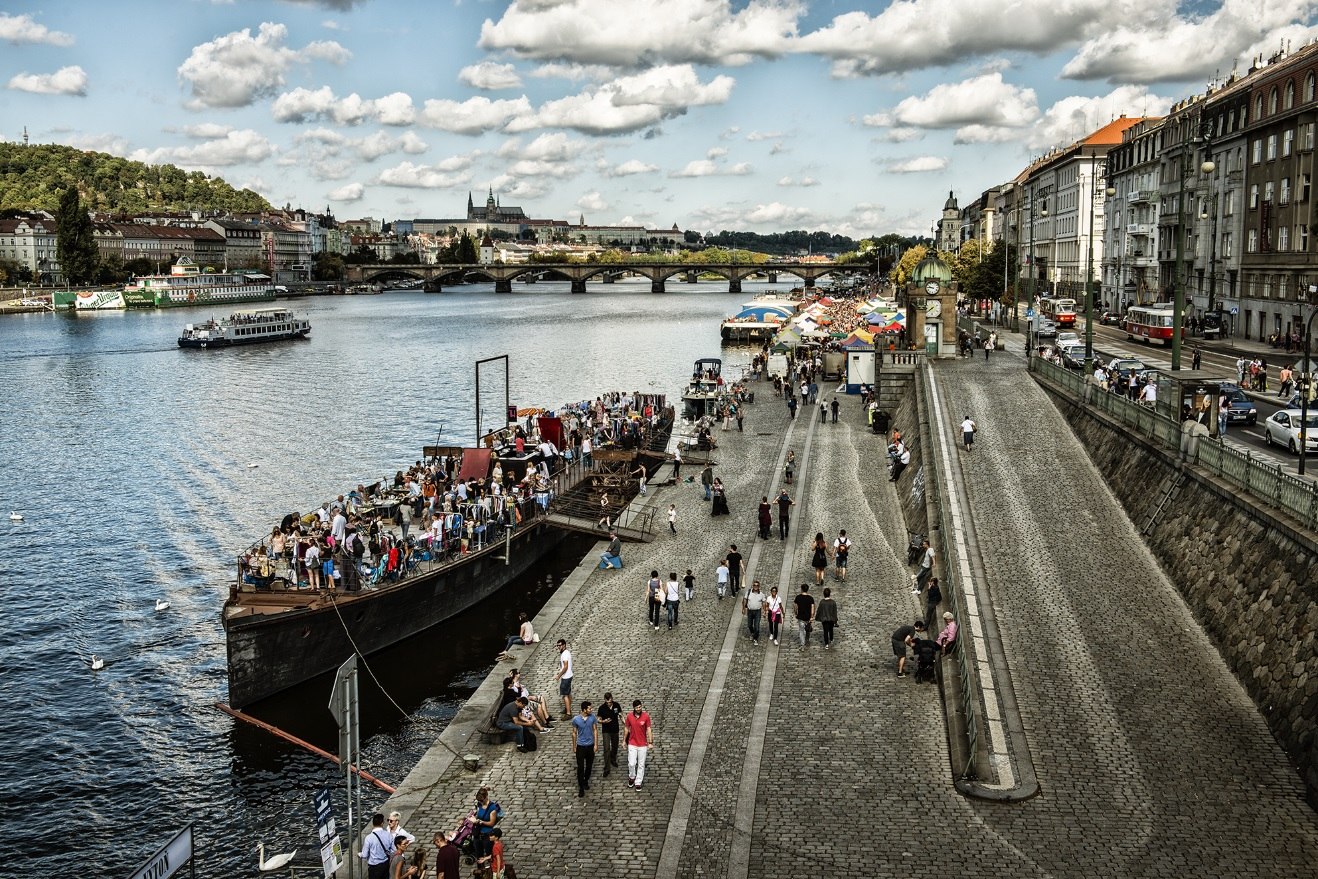 Great view of the flea market at Avoid, source: Prague.eu